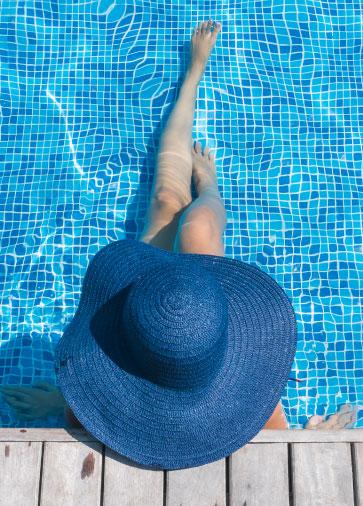 pisciniste arles-piscine solidpool alpilles-construction de piscine grau-du-roi-rénovation de piscine saint-martin-de-crau-entretien de piscine saintes maries-de-la-mer-pool house bouches-du-rhone-piscine creusée saint-remy-de-provence-devis piscine paradou